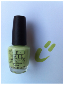 green nailpolish