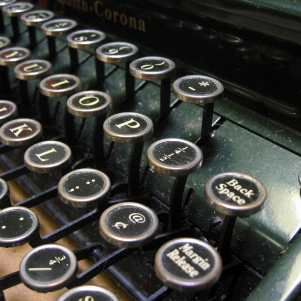 typewriter-keys-1463854-1280x960